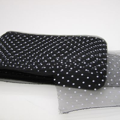 crin black with white dot 60125